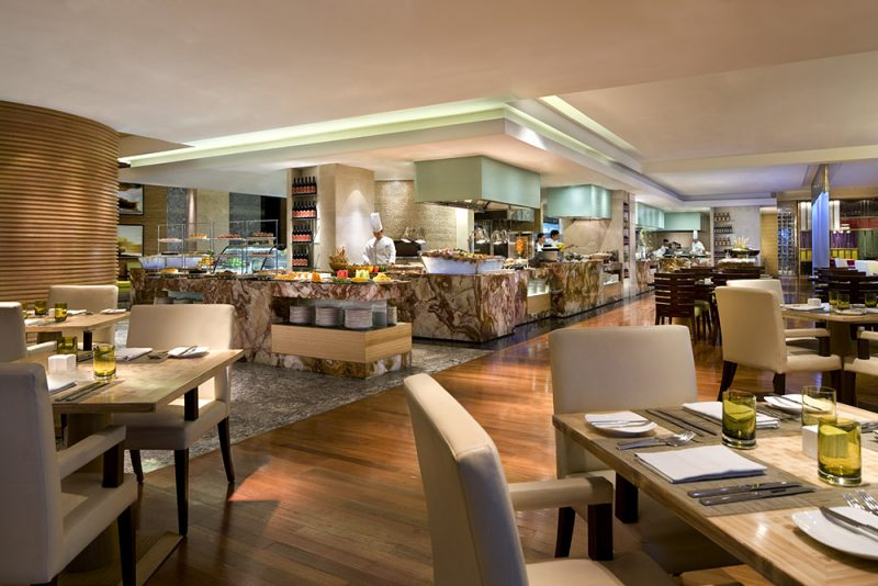 At Marriott Café, the man of the house is treated to a superb Sunday Brunch fit for kings on June 21 for Php 2800.