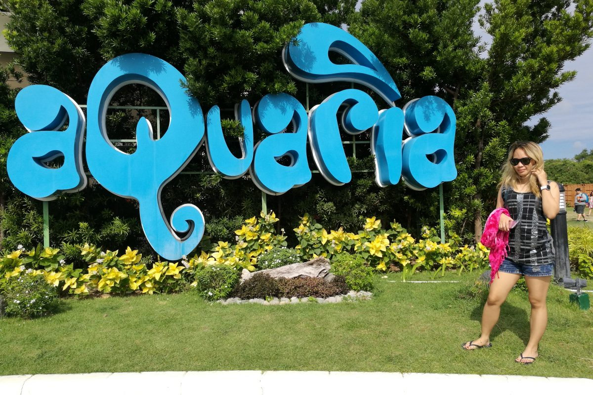 Travel and Pose #15: Aquaria Water Park