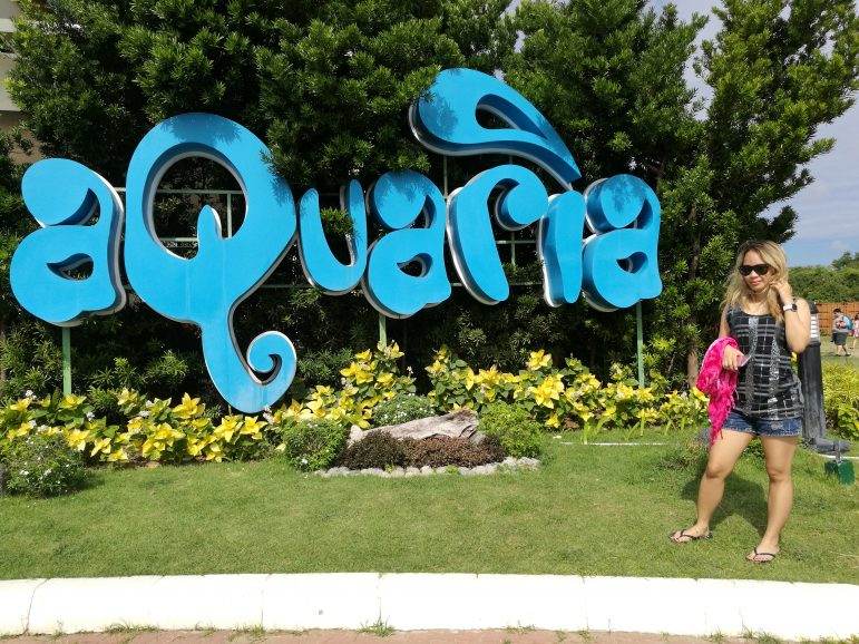 Travel and Pose #15: Aquaria Water Park